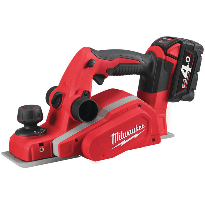 Milwaukee M18 BP-402C Høvel med batterier og lader